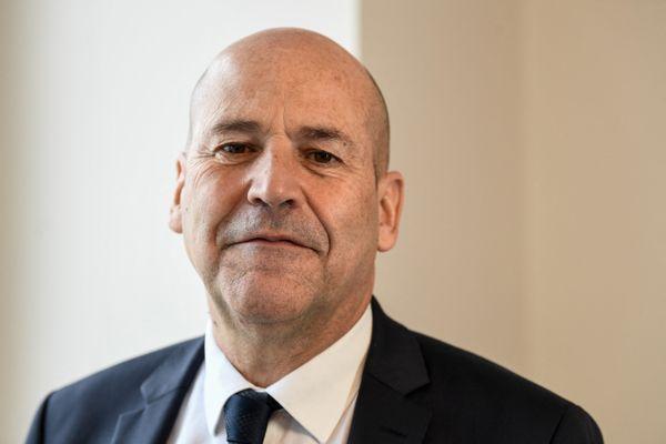 Michel Moulin se présente à la présidence de la Fédération Française de Football, face à Frédéric Thiriez et Noël le Graet, le sortant.