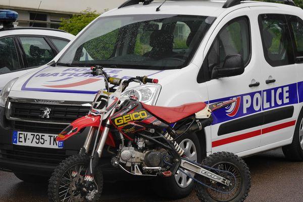 Moto non homologuée, confisquée par la police nationale à Limoges. 19.06.21