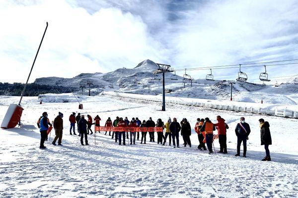 manifestation des professionnels de la montagne à la Pierre Saint Martin ce jeudi 3 décembre