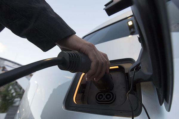Depuis le 1er janvier 2019 dans l'Allier, les bornes de recharge pour véhicule électrique sont devenues payantes.