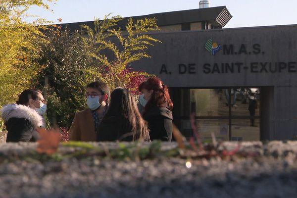 Une manifestation est organisée devant le Centre hospitalier Esquirol de Limoges ce mardi 1er décembre après-midi.