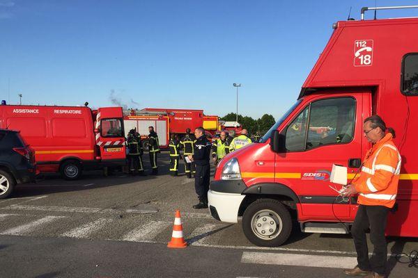 De nombreux pompiers présents sur place à la Fonderie de Bretagne à Caudan
