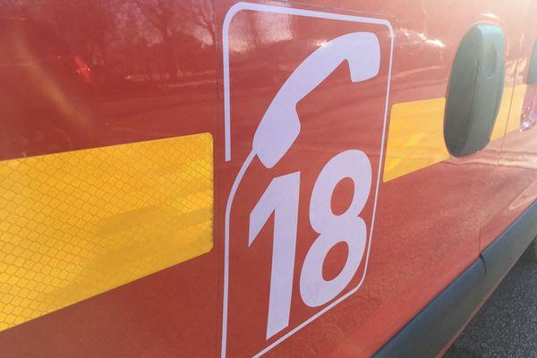 Une quarantaine de pompiers ont été mobilisés dimanche soir sur un incendie près d'Annemasse.