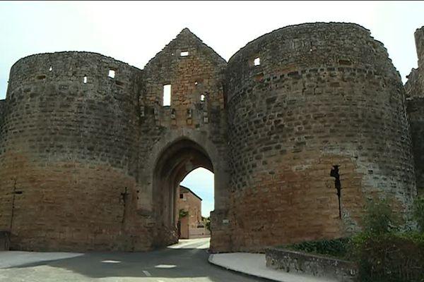 C'est dans une des tours de la Porte des Tours, vestige du 13e siècle, que se déroule cet escape game estival.