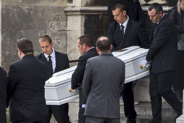 Ce mercredi, à Calais, les funérailles de Chloé.