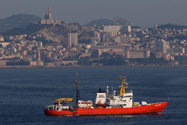 01/08/2018. Départ de l'AQUARIUS de SOS Méditerranée du port de Marseille pour aller sauver les réfugiés en mer Méditerranée.