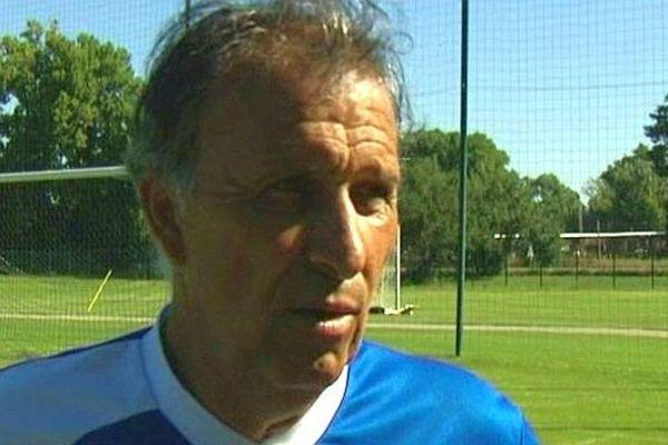 L'entraîneur nîmois victor Zvunka enregistre son quatrième match nul depuis le début de la saison.
