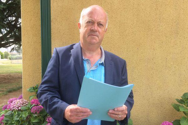 Daniel Cueff, maire de Langouët (35)