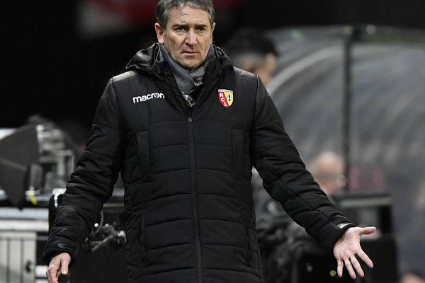 Le RC Lens s'incline 1-4 face au SM Caen.