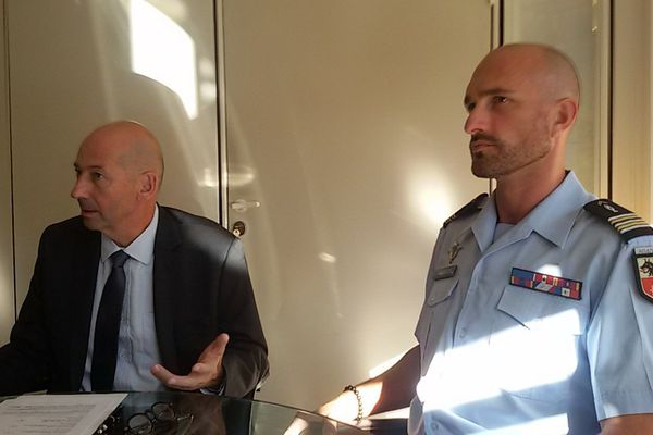 Christophe Barret, procureur de la République, et le lieutenant-colonel Thierry Aldebert, commandant de la compagnie de Castelnau-le-Lez - 8 septembre 2015