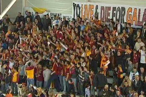 Les supporters turcs de Galatasaray à Mondeville le 16 janvier 2013