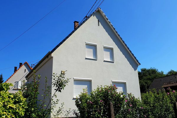 La maison de Schweighouse-sur-Moder (Bas-Rhin) devant laquelle une mère de deux enfants a été poignardée.