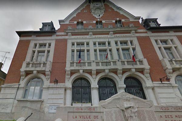 La mairie de Vouziers dans les Ardennes.