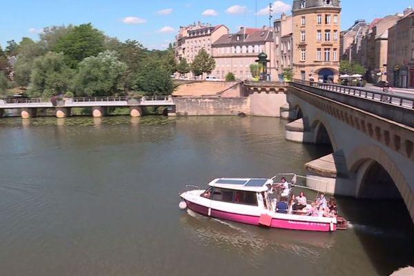 Le Solis propose des balades d'une petite heure au fil de la Moselle.