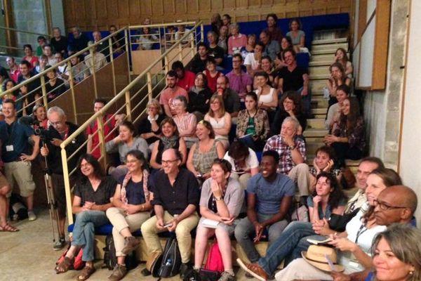 Spectacle « le Parlement » au Festival international du théâtre de rue d'Aurillac.