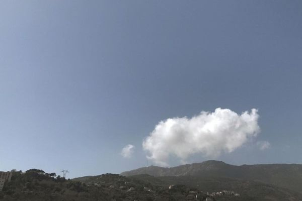 ILLUSTRATION. Le ciel de Bastia, ce matin.