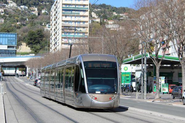 Le prolongement de la ligne 1 dans la vallée du Paillon se fera finalement en tramjusqu'au bout.