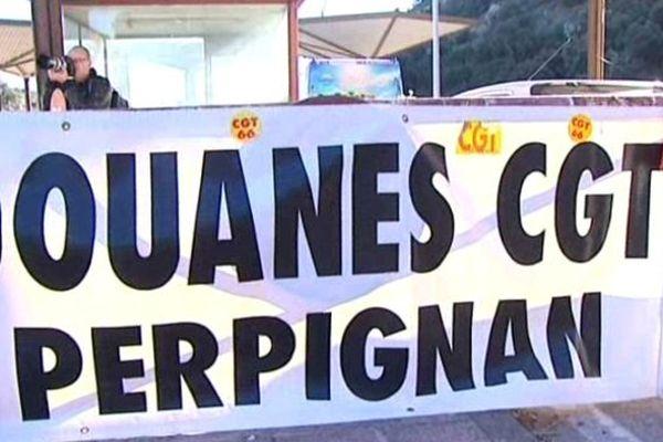 Le Perthus (Pyrénées-Orientales) - manifestation des douaniers du Languedoc-Roussillon - 7 décembre 2013.