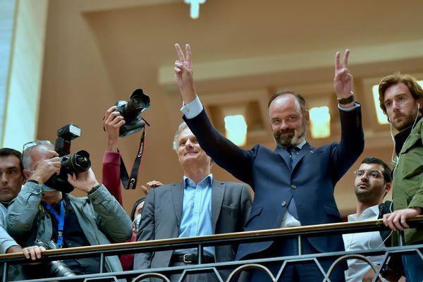 """Le """"V"""" de la victoire pour Edouard Philippe au Havre."""