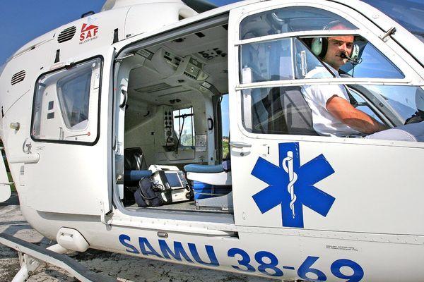 L'hélicoptère du Samu de Lyon est intervenu sur l'A7 mercredi 17 juin après-midi