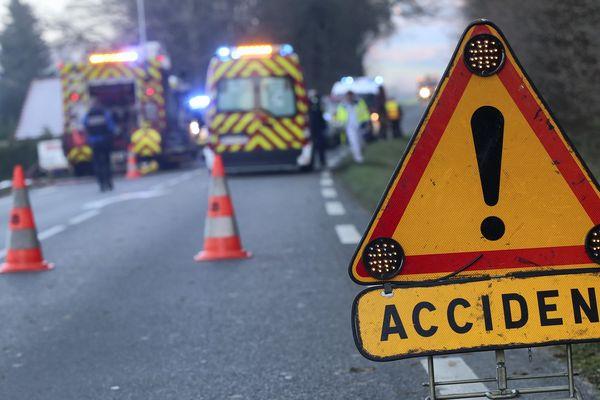 Les pompiers en intervention après un accident - Photo d'illustration