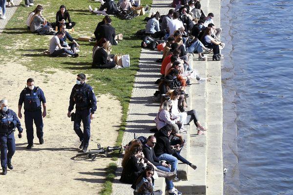 Les différents accès aux berges de la Garonne étaient interdits depuis le 28 février 2021.