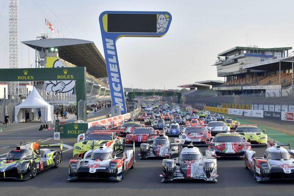 Sur la ligne du départ des 24 Heures du Mans le 17 septembre 2020