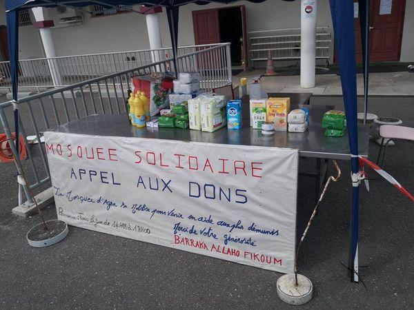 Stand de l'association devant la Mosquée d'Agen