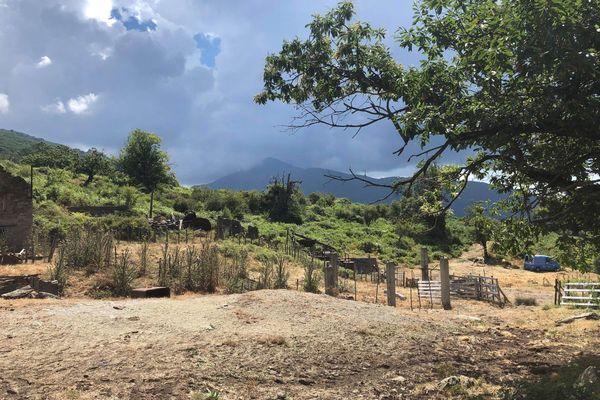 la mine de Matra, à quelques dizaines de mètres du village