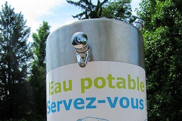 Fontaines, bornes, totems... il existe 1200 point d'eau à Paris
