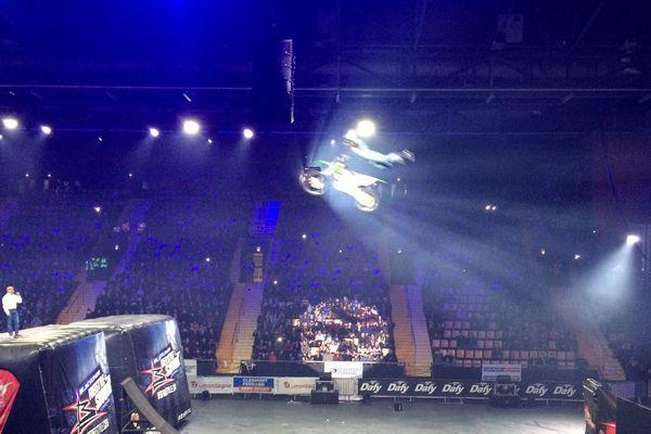 Les motocross, les quads et les vélos BMX ont enchaîné les figures freestyle pour le plus grand bonheur des 3000 spectateurs.