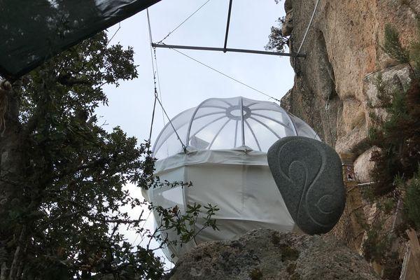 Glamping : les bulles suspendus du Cocoon Village, en Corse du Sud