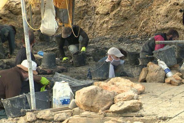 les fouilles ont repris dans les carrières Audouin avec un peu de retard cette année
