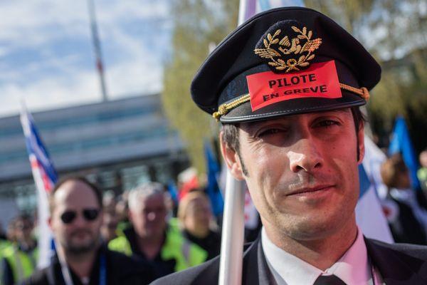 Pour cette dixième journée de grève, la compagnie Air France prévoit d'assurer 75% de ses vols.