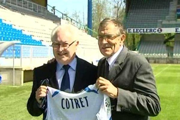 Guy Cotret (à gauche), nouveau président de l'AJ Auxerre, avec Gérard Bourgoin, l'ex-patron de l'AJA.