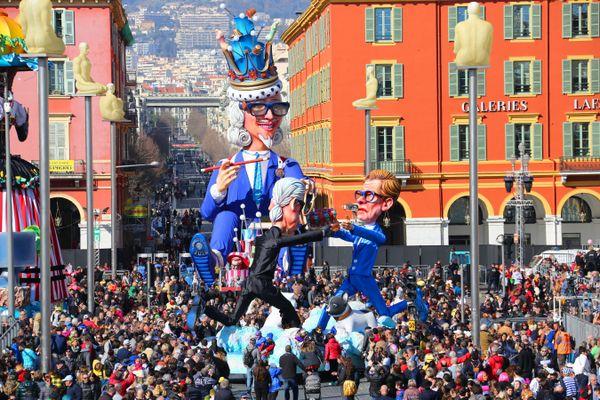 Le carnaval avec le roi de la mode place Masséna, lors de l'édition 2020.