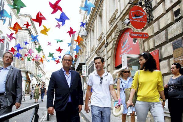 F. Hollande à Arles