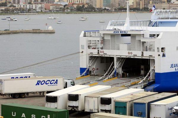 En raison de la grève, le fret doit être acheminé vers la Corse depuis Toulon et Nice.