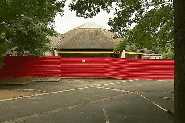 A la Poterie (Sud de Rennes), l'ancienne maison de retraite qui abritait 170 migrants est désormais vide et clôturée