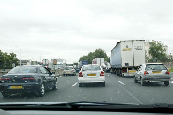 Lors de longs trajets en voiture, la vigilance est souvent diminuée.