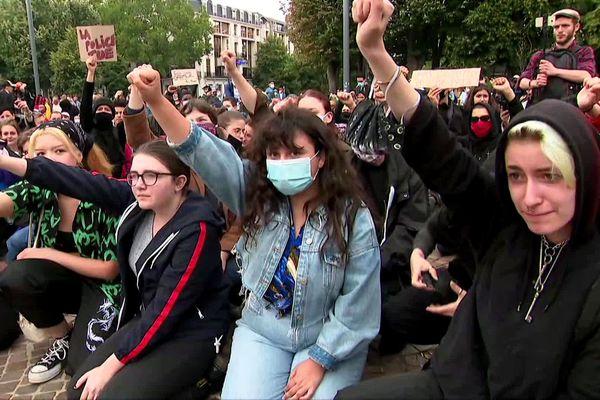 """Un petit millier de personnes a participé mercredi à la manifestation """"Black lives matter"""" à Lille."""
