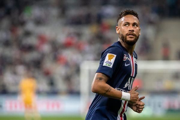 Neymar devra faire sans ses compères de l'attaque Angel Di Maria et Kylian Mbappé, qui débutera sur le banc.