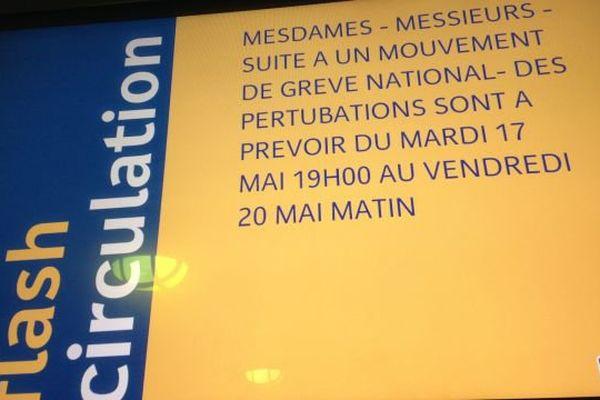 La CGT-cheminots, premier syndicat à la SNCF, appelle à la grève chaque mercredi et jeudi à partir du 18 mai 2016.