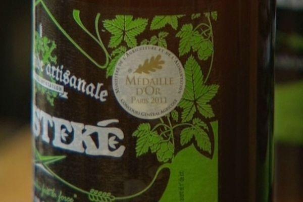 """""""Médaille d'or"""", un petit logo apposé sur les bouteilles qui fait vendre ?"""