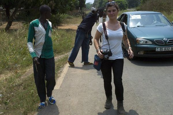 Camille Lepage en février dernier à 70km au nord de Bangui en Centrafrique