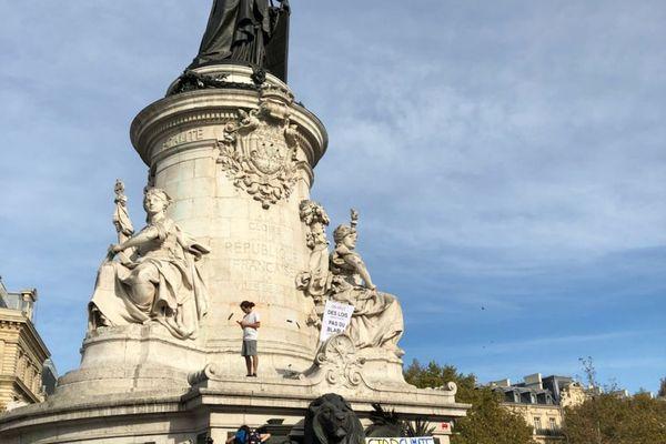 La Marche pour le climat place de la République à Paris (11e).