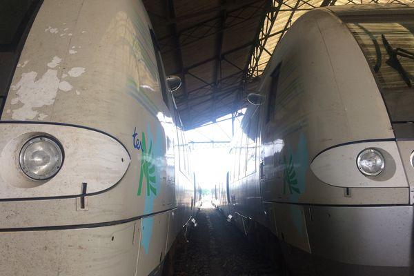 Les TER en gare de Bergerac : la ligne coûterait 91M de rénovation, le double de ce qui avait été annoncé initialement par la SNCF