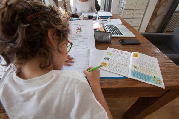L'école à la maison pourrait être interdite en France dès 2021.