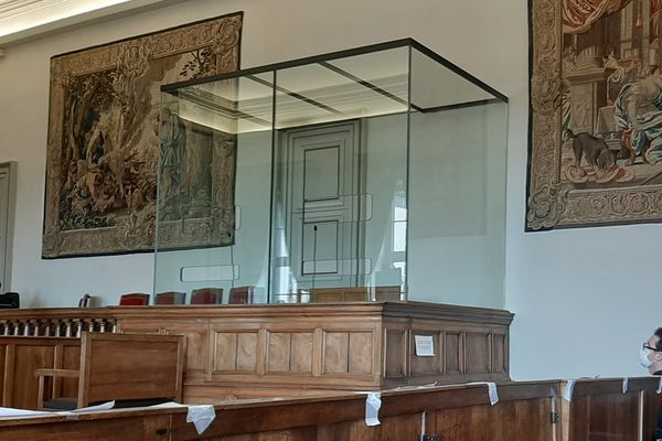 La cour d'appel du Puy-de-Dôme a examiné le dossier de Kamel Daoudi, le plus ancien assigné à résidence de France.
