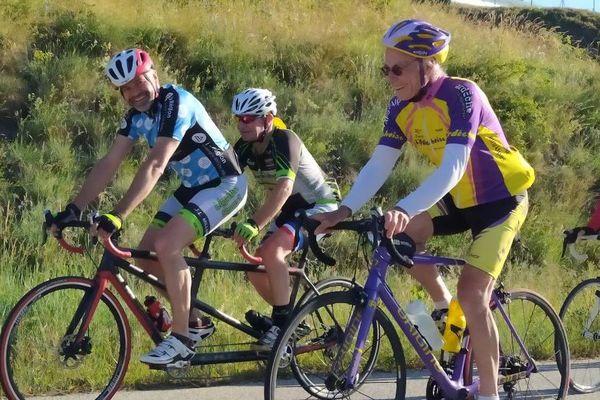 Pour ne pas offrir la victoire à la pandémie, plusieurs membres du comité directeur ont symboliquement décidé d'effectuer ce samedi 19 juin, à vélo les 220 kilomètres du parcours roi, celui de l'Ardéchoise.